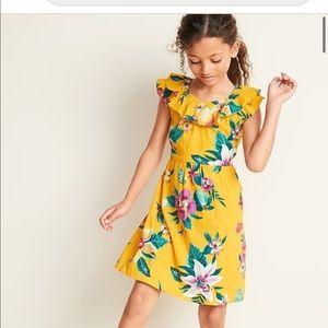 Beautiful yellow dress size L plus girls